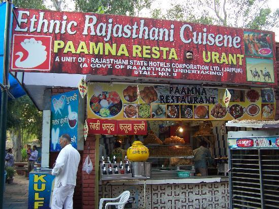 places-to-eat-in-dilli-haat