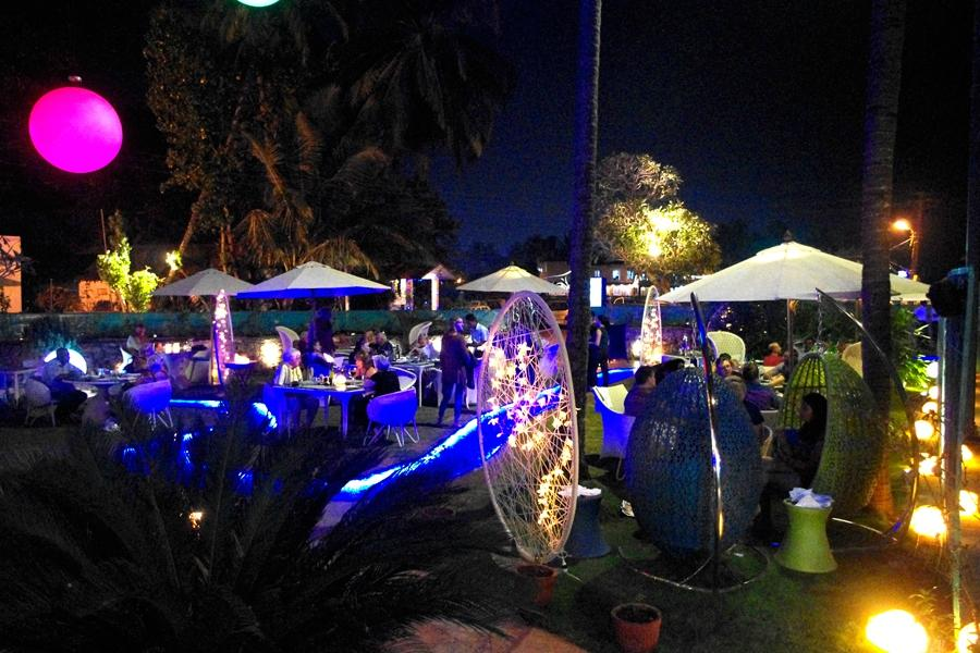 go-with-the-flow-restaurant-baga