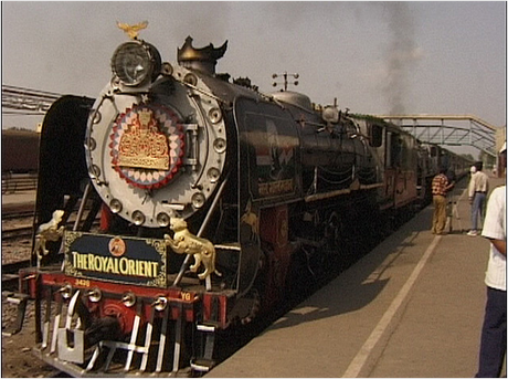 royal-orient-train