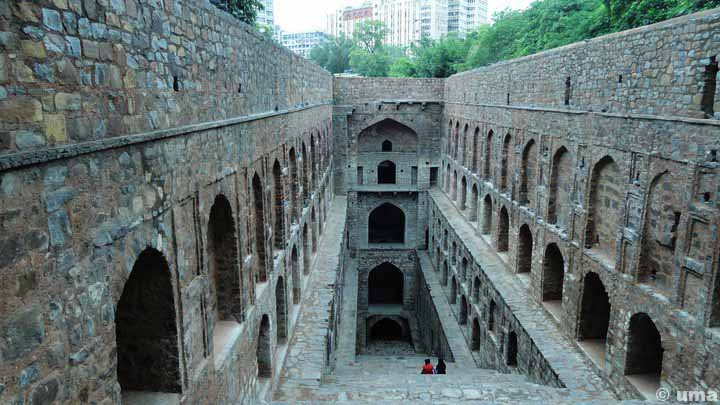 agrasen-ki-baoli-haunted