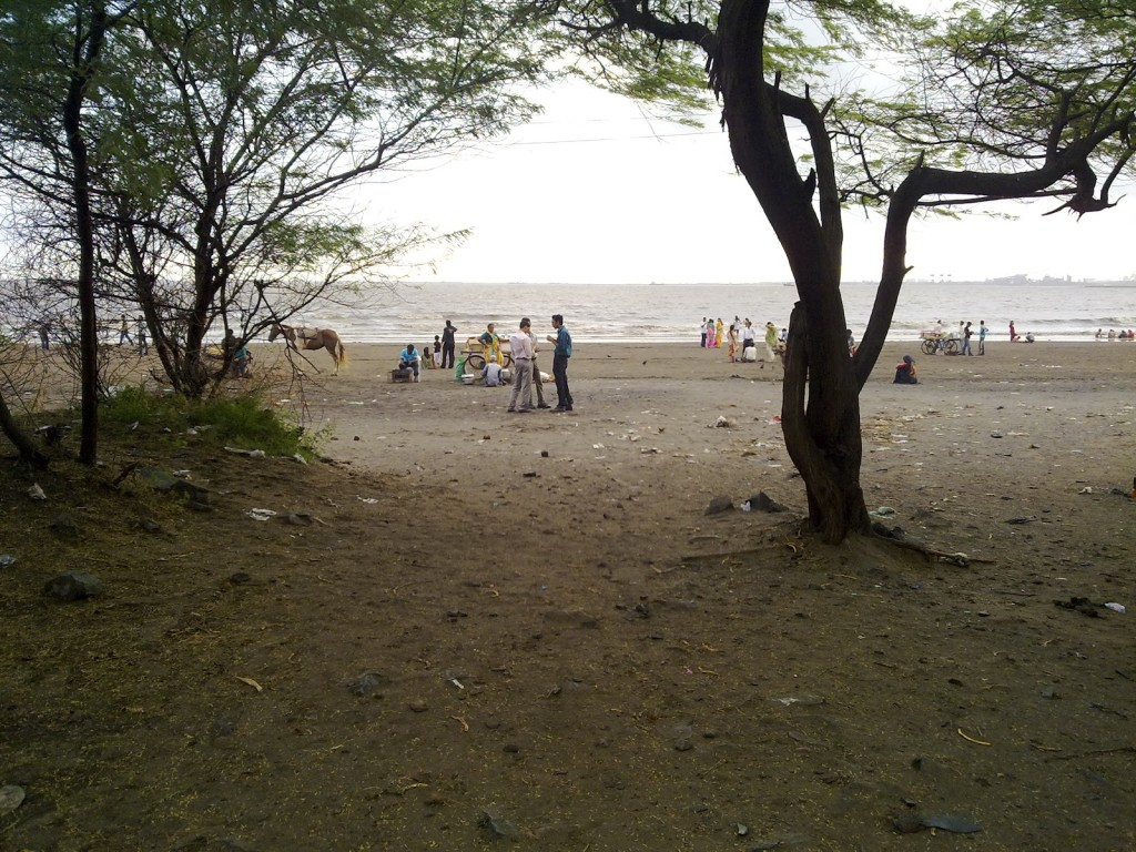 dumas-beach-surat-haunted-place